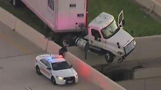Kaum zu glauben, aber wahr: Truck hängt über einem Abgrund