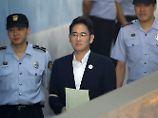 Lee Jae Yong auf dem Weg zur Verhandlung.