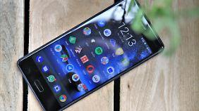 Das Display des Nokia 8 ist sehr scharf - auch wenn man das gar nicht sieht.