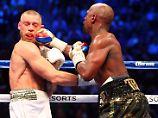Box-Spektakel in Las Vegas: Mayweather schlägt McGregor