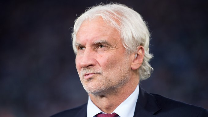 Rudi Völler regt sich wieder auf.