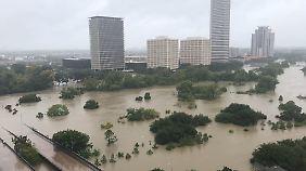 Ein Blick auf die überflutete Innenstadt von Houston.