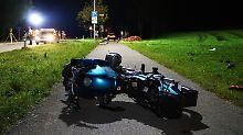 Außer Kontrolle geraten: Motorradfahrer tötet Mutter und Kinder
