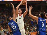 Nerven verloren im Hexenkessel: Basketballer brechen dramatisch ein