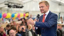 """Wahlkampf im Bierzelt: Lindner und die """"neue FDP-Erfahrung"""""""