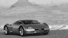 Die 80er Jahre waren geprägt waren bunt, respektlos, nicht funktional und auch nicht zweckgebunden. Erst Anfang der 90er erinnerten sich die Auto-Designer wieder an die Visionen, die einst Flugzeuge ausgelöst hatten.