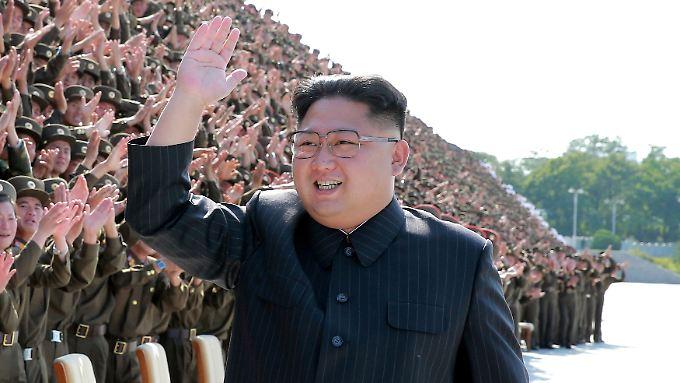 Kim - umjubelt von seinen Untertanen: So sieht man den Diktator zuletzt kaum mehr.