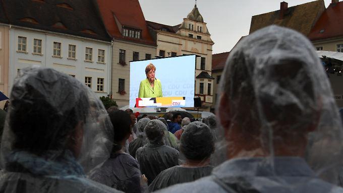 Merkel soll Beobachtern zufolge beinahe niedergebrüllt worden sein in Torgau.