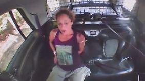 Flucht trotz Handschellen: Festgenommene Ladendiebin narrt US-Polizei