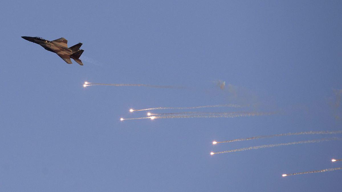 Israelische Jets bombardieren Militärbasis
