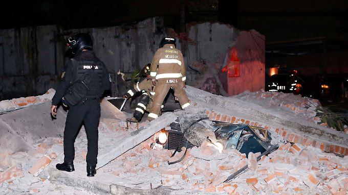 Erdbeben der Stärke 8,4: Selbst aus Mexiko-Stadt - 700 Kilometer vom Epizentrum entfernt - kommen Berichte über schwere Schäden.