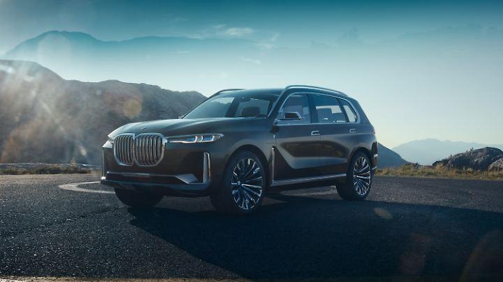 Optisch preist sich der BMW X7 iPerformance als echtes Monster an.