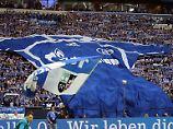 """Wütender Protest auf Schalke: Fans attackieren """"Identitätsschänder"""" Heidel"""