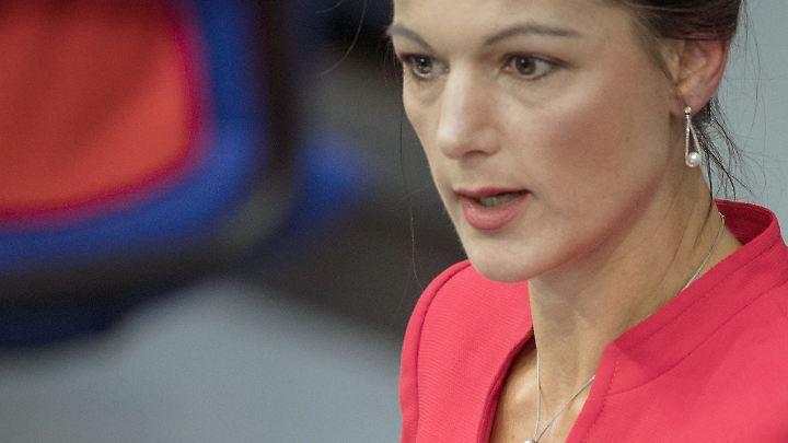 """Linken-Chefin Sahra Wagenknecht: """"Die Währungsunion zerstört in vielen Ländern Industrie und Arbeitsplätze."""""""