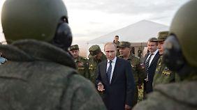 Putins Sprecher bezeichnet die westlichen Vorwürfe als Hysterie.