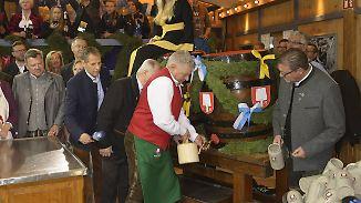 Eröffnung des 184. Münchner Oktoberfestes: Zwei Schläge und das Bier fließt in Strömen