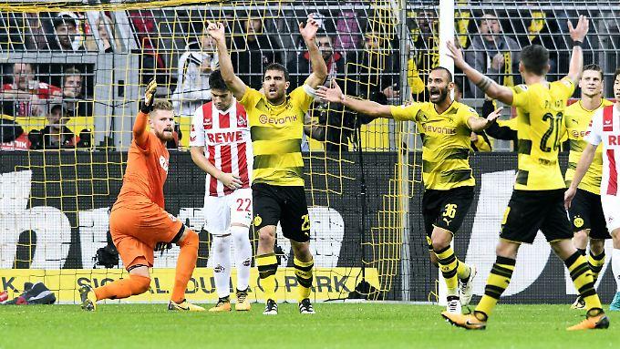 Der Treffer von Dortmunds Sokratis zum 2:0 wurde erst per Videobeweis anerkannt - der aber gar nicht zum Einsatz hätte kommen dürfen.