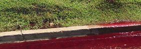 Szene ähnelt Horrorfilm: Blut strömt aus Bestattungsfirma