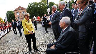 """""""Er hat die notwendige Härte"""": Merkel dankt Schäuble """"von Herzen"""""""