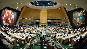 Jeder Redner bei der UN-Vollversammlung hat offiziell 15 Minuten Redezeit, sie wird aber oft deutlich überzogen.