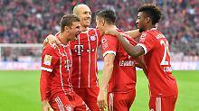 Bajuwarische Herzlichkeit: Thomas Müller, Arjen Robben, Robert Lewandowski und Kingsley Coman.