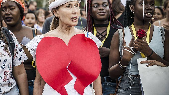 Gebrochenes Herz: Frauen bei einer Demonstration nach dem Anschlag in Barcelona im August.