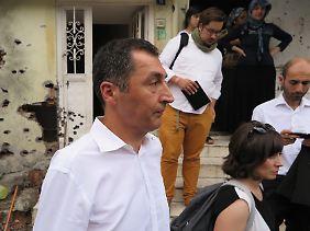 Damals konnte er noch einreisen: Özdemir bei einem Besuch im Osten der Türkei im Jahr 2015. Dort eskalierte der Kurden-Konflikt.