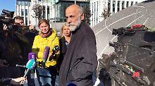 Kalaschnikow-Denkmal mit Makel: Falsch platzierte Nazi-Waffe sorgt für Ärger