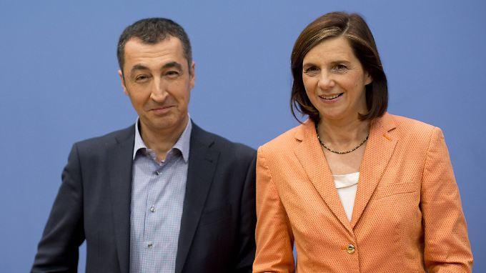 Gute Stimmung, aber auch ein bisschen Bescheidenheit. Cem Özdemir und Katrin Göring-Eckardt am Tag nach der Wahl.
