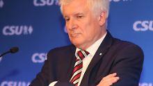 Kritik aus der CSU: Seehofer weist Rücktrittsforderungen zurück