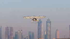 """Mit """"Flugauto"""" über die Dächer hinweg: Taxi-Drohne kreist erste Runden über Dubai"""