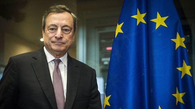 Führt die EZB: Mario Draghi.
