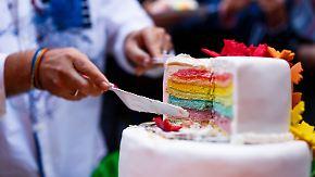 Hasskommentare, Ehe für alle, Drohnenflug: Das ändert sich im Oktober