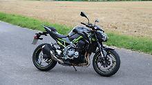 Freunde von seidigen Vierzylindern dürften an der Kawasaki Z900 ihre Freude haben.