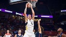 Deutscher Neuzugang begeistert: Theis feiert krachendes NBA-Debüt