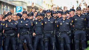 Madrider Polizisten verlassen Katalonien: Generalstreik legt Barcelona lahm