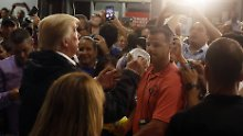 """""""Ihr könnt stolz auf euch sein"""": Trumps kurioser Auftritt in Puerto Rico"""