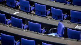 Ringen um Platzverteilung: Rekordzahl Abgeordneter stellt Bundestag vor heikle Fragen