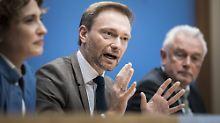 Kritik an Finanzpolitik: Lindner grenzt sich von Schäuble ab