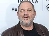 """Laut seiner Beraterin ist Harvey Weinstein ein """"alter Dinosaurier auf neuen Wegen""""."""