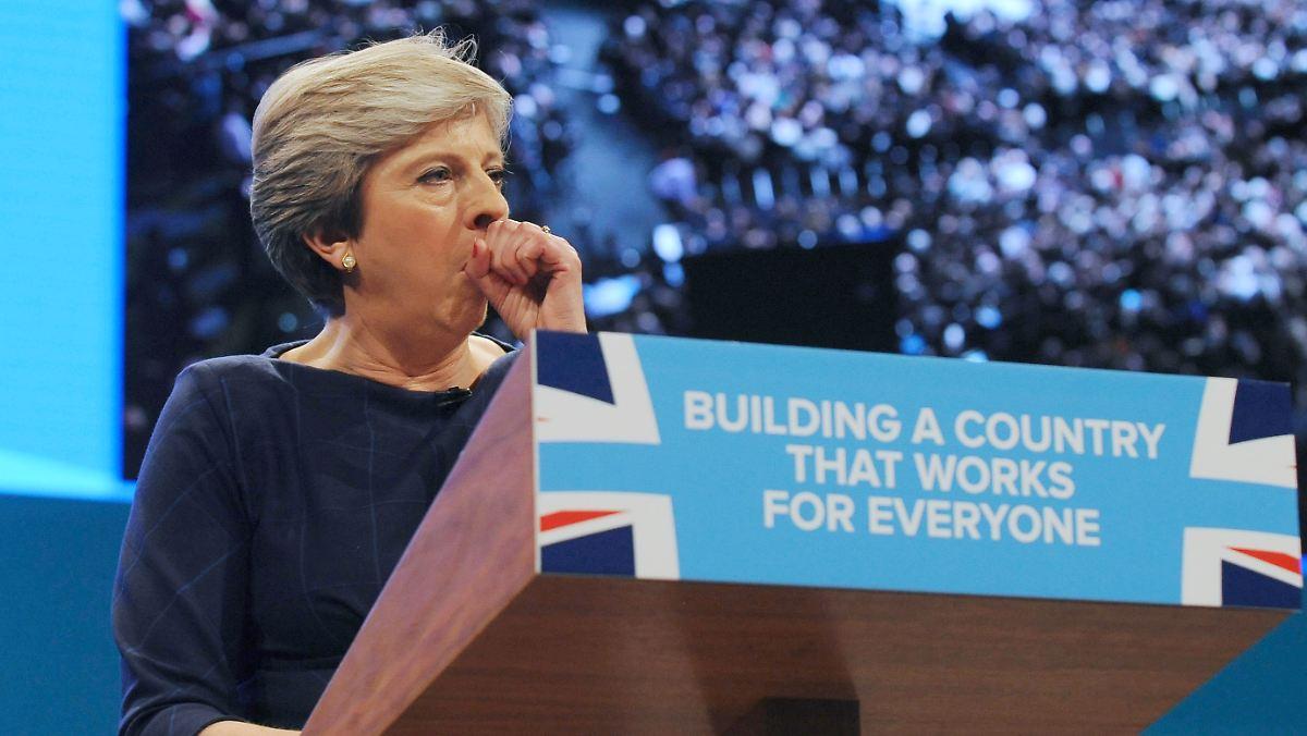 Muss Theresa May zurücktreten?