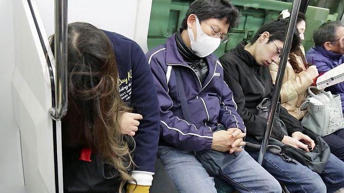 Leistungsgesellschaft ohne Intervention: Japanerin stirbt nach 159 Überstunden