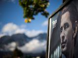 """Wie """"House of Cards"""" in Peinlich: Österreichs Wahlkampf driftet ins Absurde"""