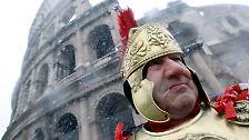 Bröcklige Attraktion: Das Kolosseum in Rom