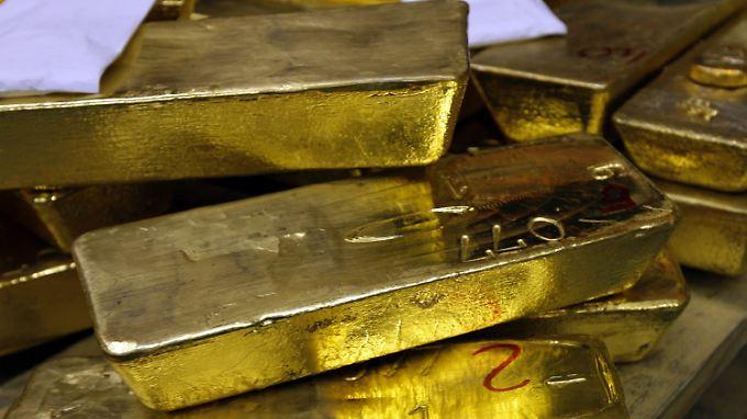 Goldbarren schwimmen in der Schweiz nicht im Wasser. Die lagern im Tresor.