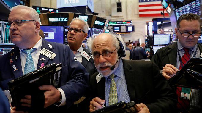 Schlusskurse knapp unter Allzeithoch: Die US-Börsen balancieren weiter auf Rekordniveau.
