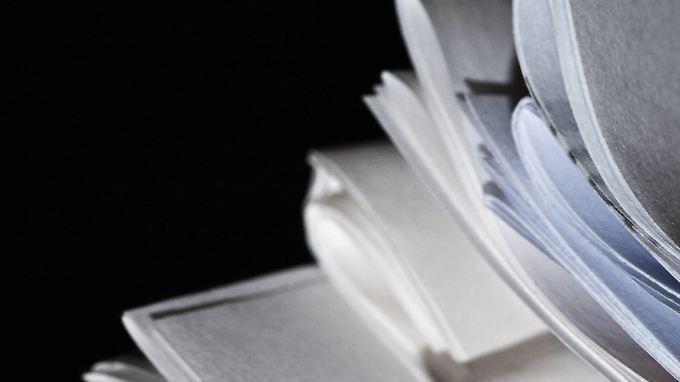 Das erfolgreiche Manuskript verbirgt sich unter vielen anderen, die kein Verlag wollte.