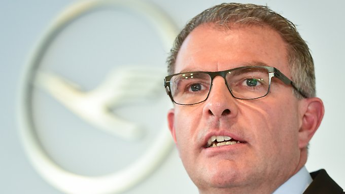 Lufthansa-Chef Carsten Spohr übernimmt die Filetstücke von Air Berlin. Für die Passagiere bedeutet das höhere Ticketpreise.