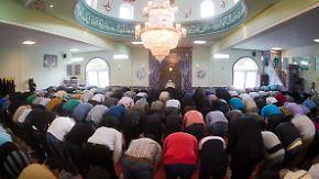 Geteiltes Echo: De Maizière denkt über Einführung muslimischer Feiertage nach