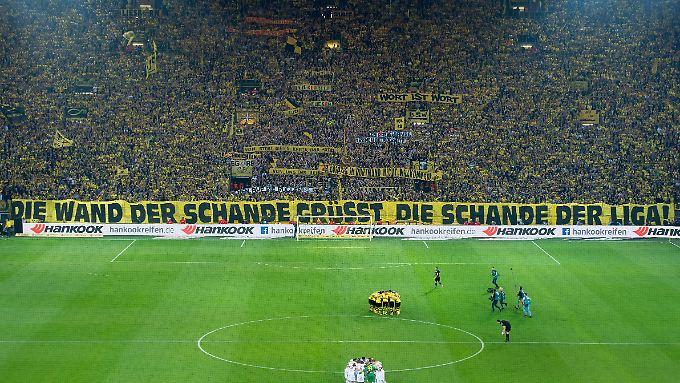 So verarbeiten die BVB-Fans die Sperrung der Südtribüne nach dem Eklat im Februar.